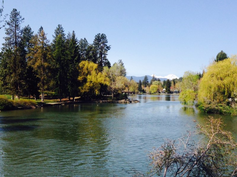 Mirror Pond in downtown Bend