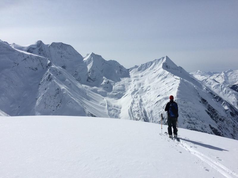 Asulkan Pass ski