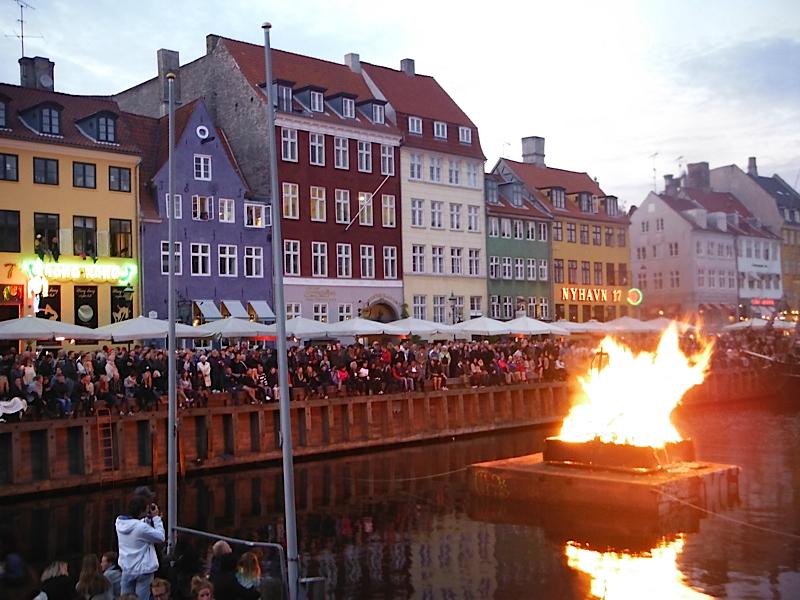 Solstice celebration in Nyhavn