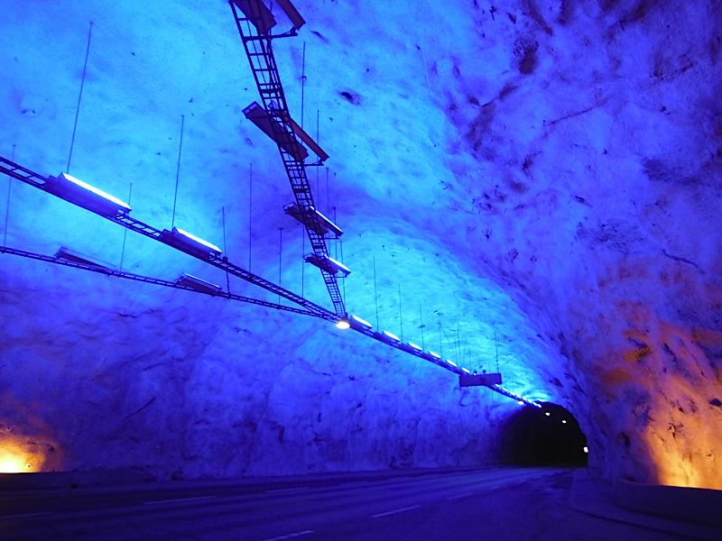 """""""Break"""" in the 25km Laerdal Tunnel"""