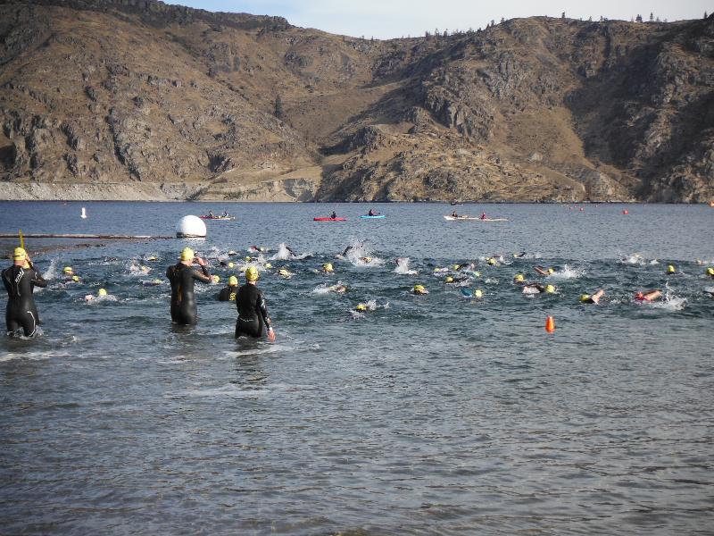 Grand Columbian 2013 Swim Start