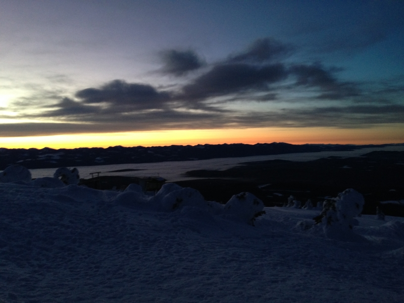 Big White early morning ski